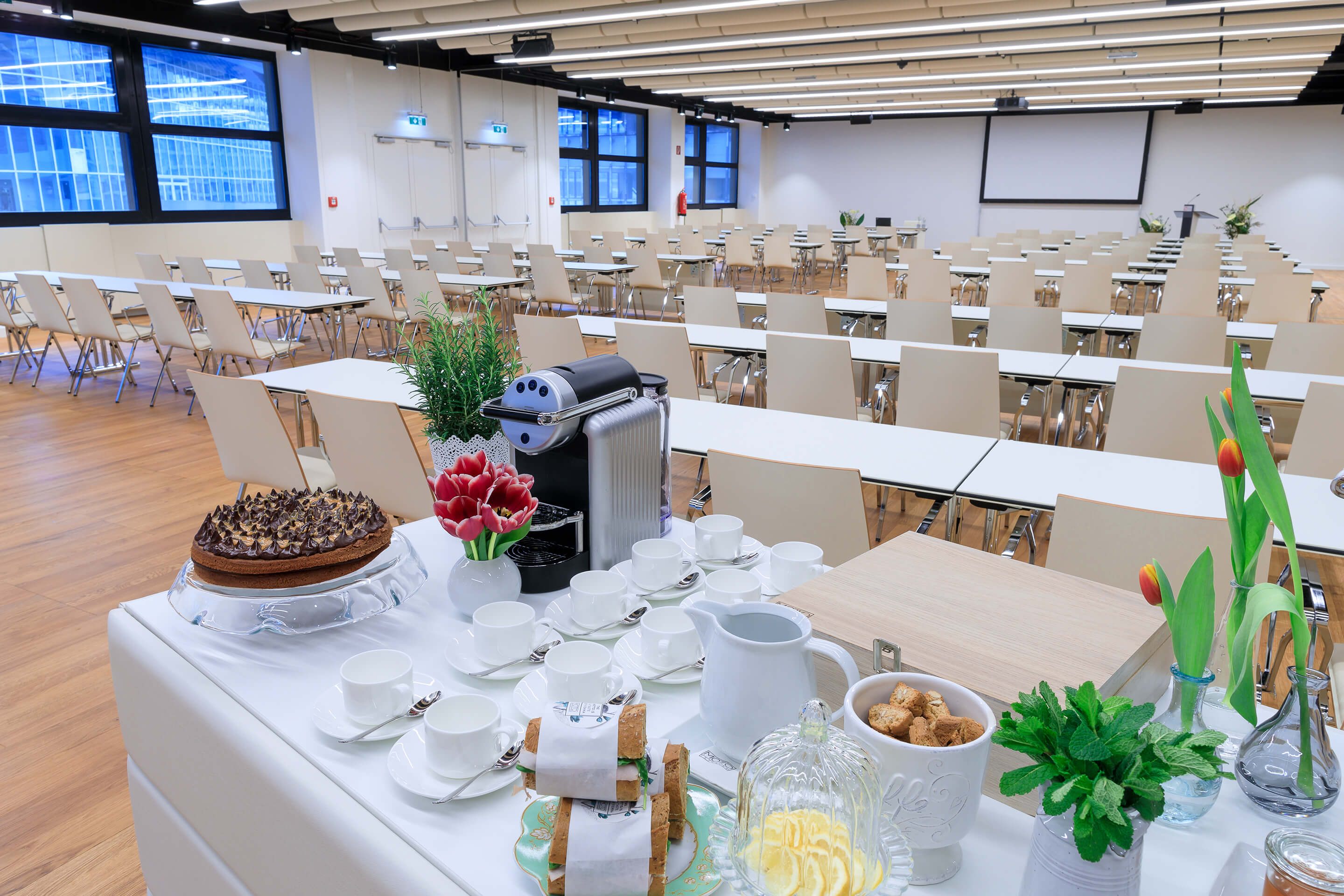 Foto: Haus Level 1 Saal N Setting Tagung mit Motto Catering